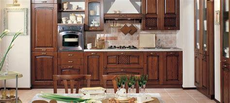 cucine classiche foto foto cucine classiche rustiche e in legno tutte le