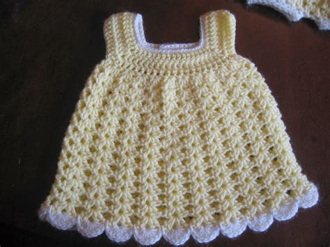 free pattern newborn dress blurt blogger free easy baby sundress bloomers pattern