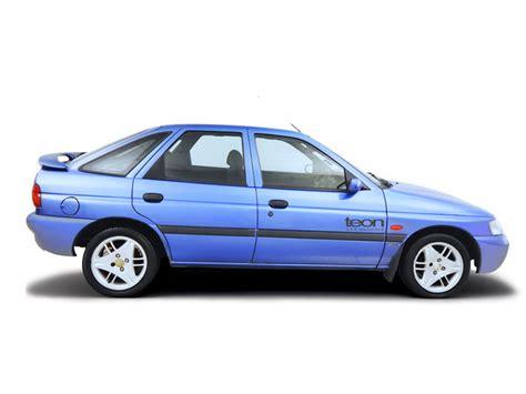 ford escort orion diesel 1990 2000 haynes service repair manual sagin workshop car manuals ford escort 1990 2000 1 6i checking tyre pressures haynes publishing