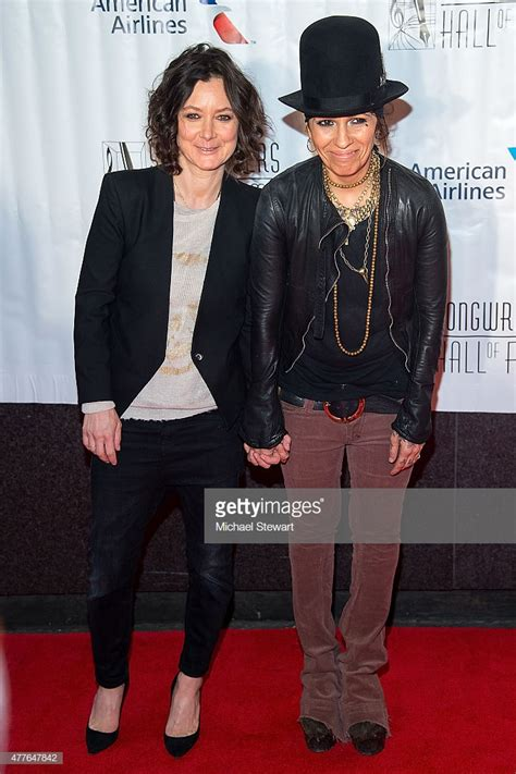 linda perry singer songwriter songwriters hall of fame 46th annual induction and awards