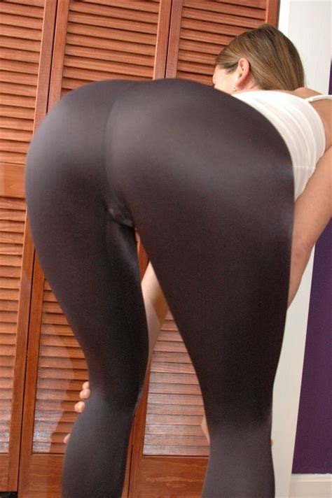 Sexy girls in yoga pants 5 girls in yoga pants cut right to the primal