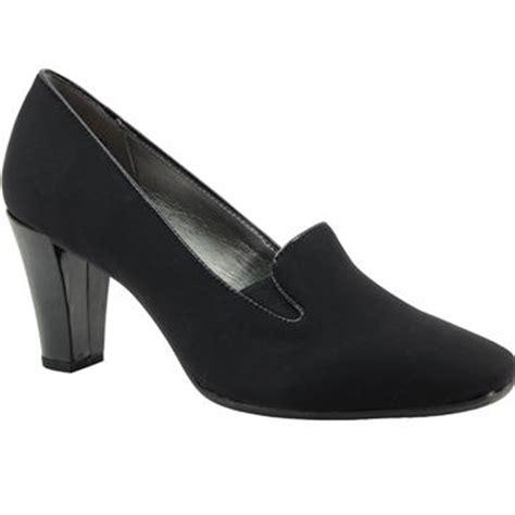 bandolino vavara womens casual dress shoes rogan s shoes