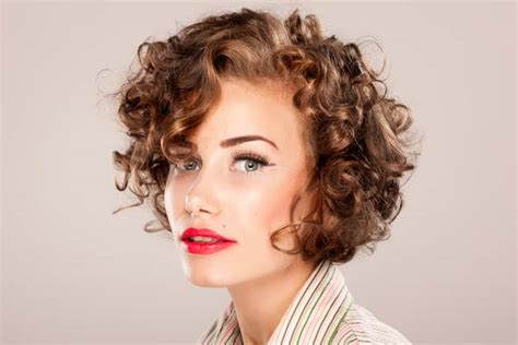 how do you cut a short curly bob with middle part what to expect when you cut curly hair short hair world