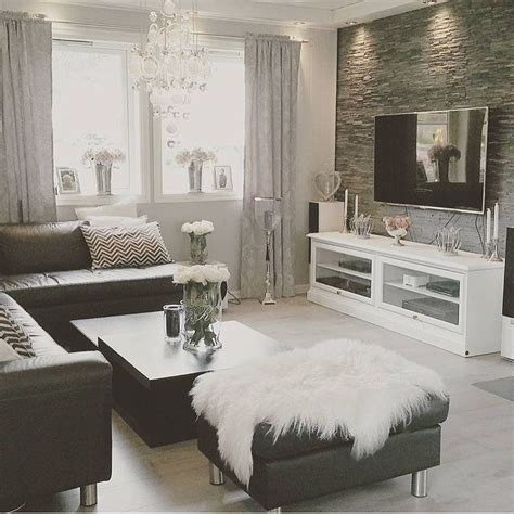 Black And White Home Design Inspiration | need a living room makeover inspiration instagram and