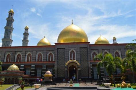 wallpaper masjid kubah emas kubah masjid dan bumi datar melinweb com