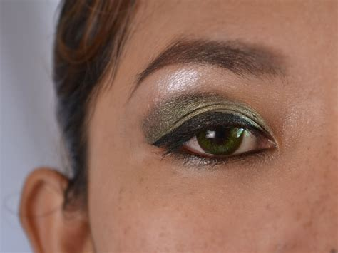 Eyeshadow Recommended how to do makeup for green makeup vidalondon