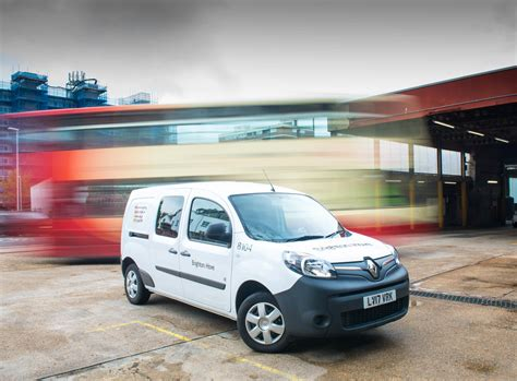 renault kangoo renault kangoo ze wins 2018 what van awards quot green award