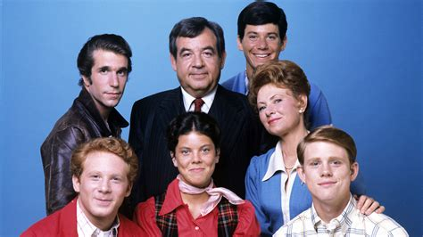 from happy days happy days cast members reunite to honor late co