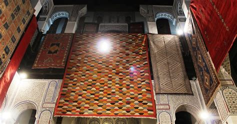 buying rugs in morocco souvenir chronicles fes morocco buying a rug or two