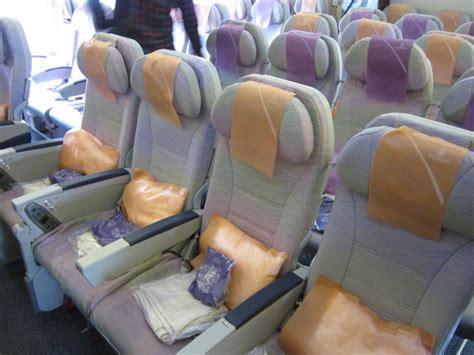 emirates economy class review emirates airlines economy class seats www pixshark com