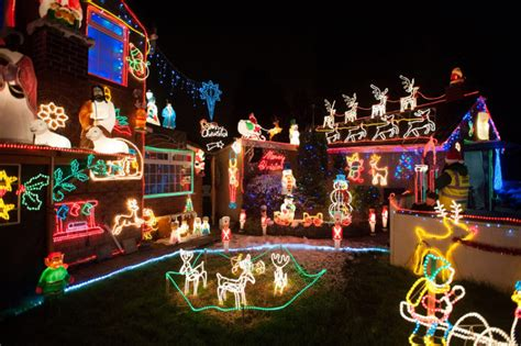 let it glow extravagant christmas light displays on uk
