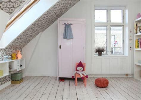 Décorer une chambre d'enfant mansardée   Joli Place