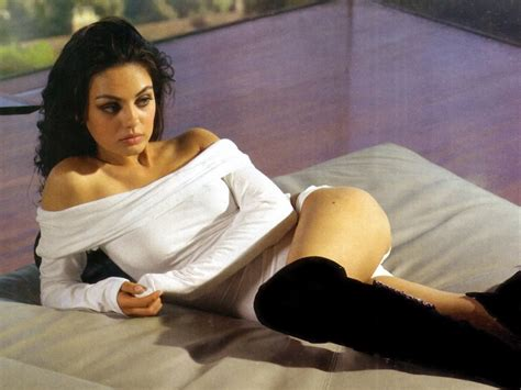 mila kunis bathtub photo seven stars world mila kunis
