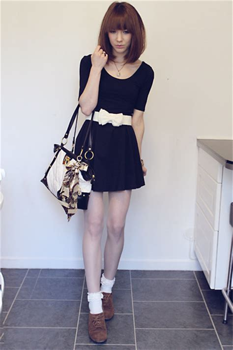 black tricot dresses brown deichmann shoes