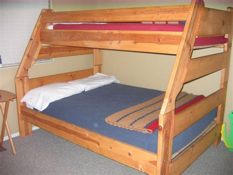 How To Make Wooden Bunk Beds Wooden Bunk Beds With Desk