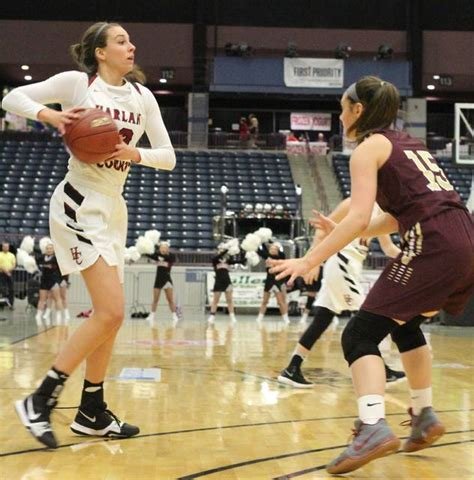 Lady Bears survive first round scare   Middlesboro Daily
