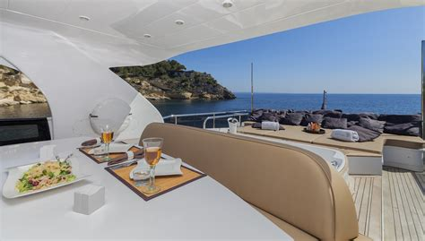 jacht quo vadis quo vadis yacht charter details maiora charterworld
