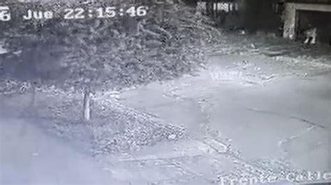 camara de seguridad registro el momento de la pelea y el disparo una c 225 mara de seguridad capta el asesinato de un