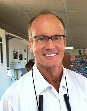cecil the lion killer walter palmer hires armed guards