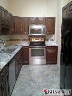 wholesale kitchen cabinets chocolate maple glaze kitchen 1000 images about backsplashes on pinterest kitchen