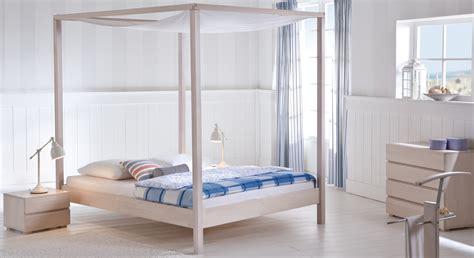 großes bett weiß schlafzimmer wohnwand mit bett