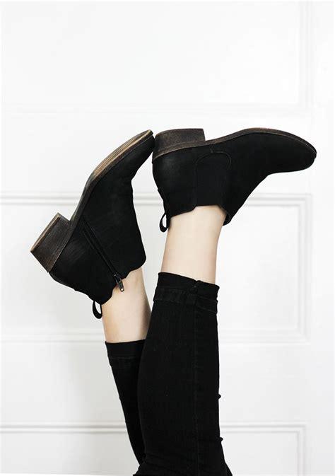Minimalist Clothing | minimalist wardrobe closet purge tips 187 the merrythought