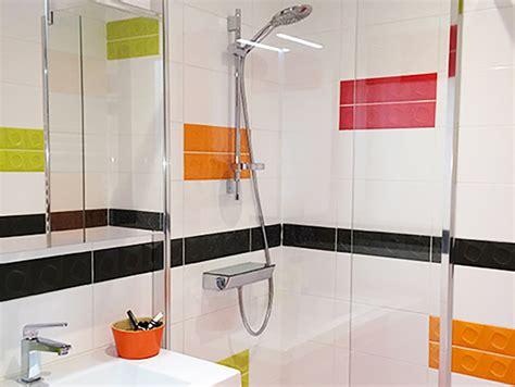 Beau Salle De Bain Rouge Et Blanc #3: salle_de_bain_coloree.jpg