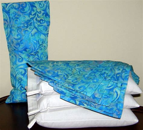 lavender aromatherapy or unscented eye pillow in muslin with