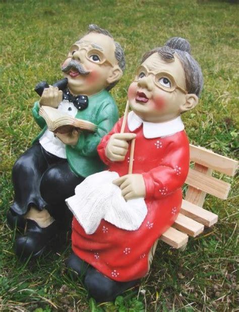 garten kremer oma und opa auf der bank figur garten gartenfiguren