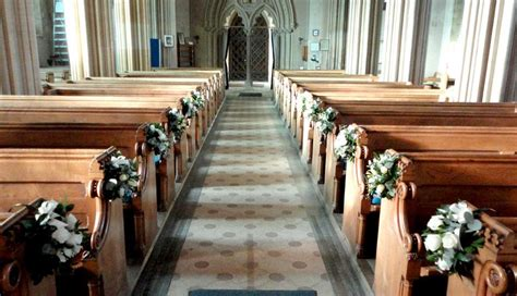Wedding Aisle Arrangements by Wedding Church Pews Church Pew And Aisle Flower
