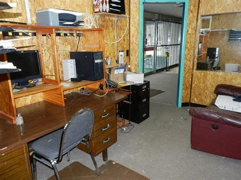 Office Alley by Real Estate Auction Multi Purpose Harriman Tn Building