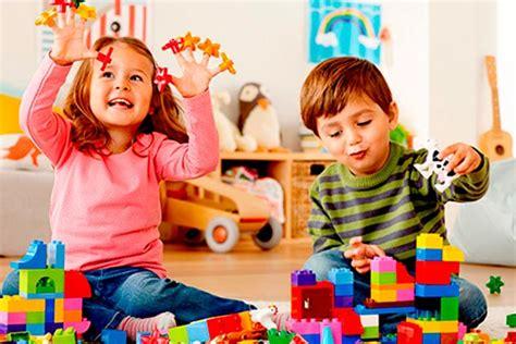 imagenes de niños jugando y aprendiendo juegos para ni 241 os con legos los 6 juegos m 225 s divertidos