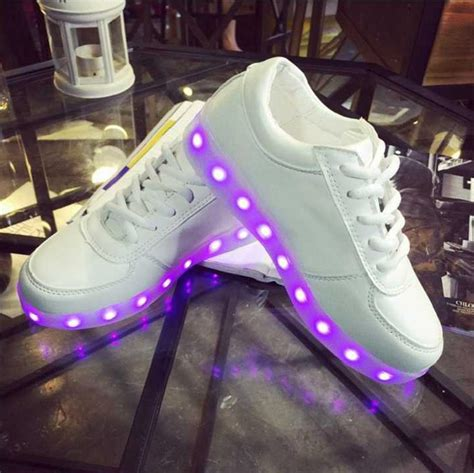nike shoes with light up soles book of nike light up shoes women in germany by jacob