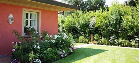 foto piccoli giardini casa progettazione e creazione di giardini a pisa lucca livorno