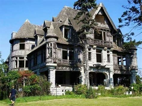 cheap mansions for sale in usa carlton villa new york abandoned castles pinterest