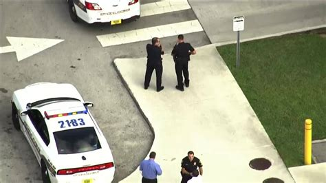 fiu garage  main campus reopens  threat investigation