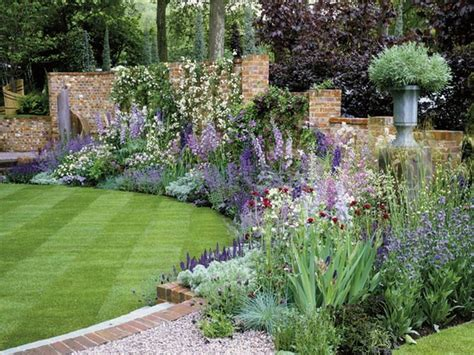 how to create a cottage garden border cottage border home addition ideas