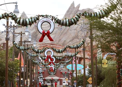holidays at the disneyland resort returns november 12