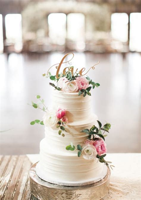 Flowers For Wedding Cakes by Best 25 Cake With Flowers Ideas On Pretty