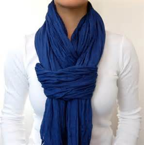 Different Ways To Tie An Infinity Scarf Cool Way To Wear A Scarf And It Shows You Exactly How To