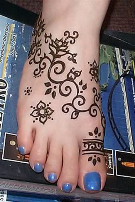 henna tattoos what do they mean 1000 ideas about lotus flower henna on lotus