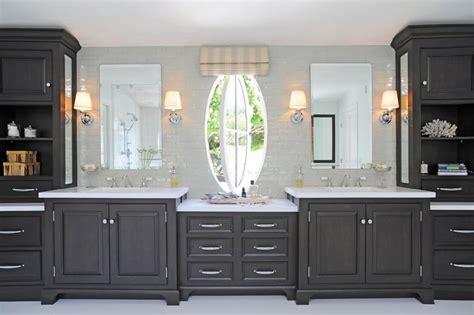 foot long vanity   luxurious master bathroom