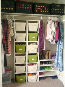 bedroom closet organization teen room organization on pinterest beach dorm rooms