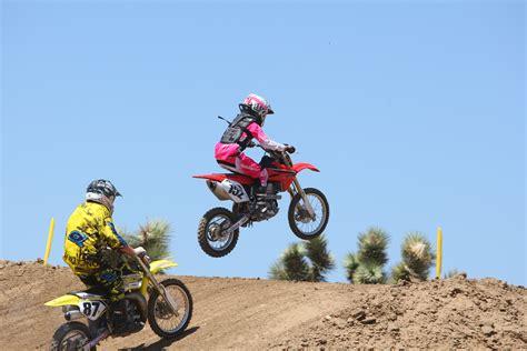 girls motocross girls racing dirt bikes www pixshark com images