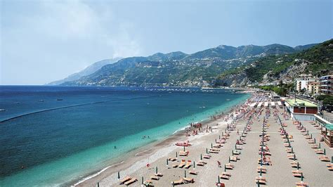 vacanze maiori amalfi coast beaches where to go