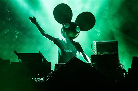 Deadmau5 Live Wallpaper by Deadmau5 Teases Song With Shotty Horroh And Rezz On