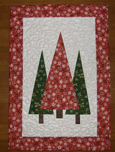 christmas trees quilted wall hanging red green quilt quilted