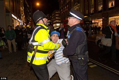 Pcso Arrest Records Nelson Struggles With Pcso In After Stealing His Own Dvd For Publicity