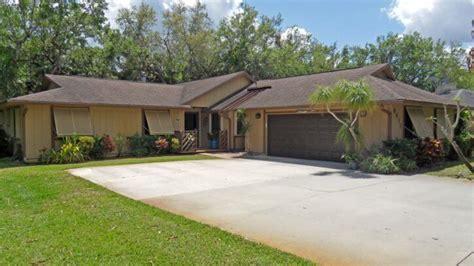 stuart florida home on large lot just listed stuart