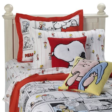 i love lucy comforter set tabulous design snoopy the peanuts gang